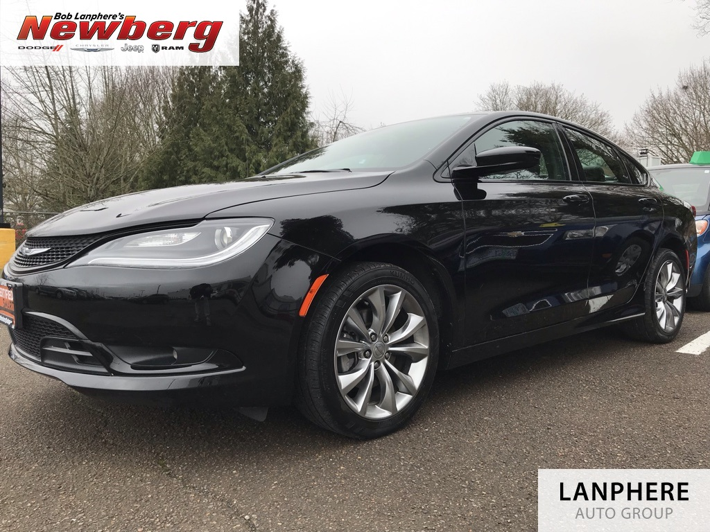 Certified Pre-Owned 2016 Chrysler 200 S One Owner, Navigation, Back Up Camera, Heated Seat