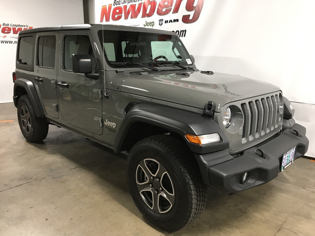 Certified Pre-Owned 2018 Jeep Wrangler Unlimited Sport 4WD, Tech Group, Trailer Tow Group