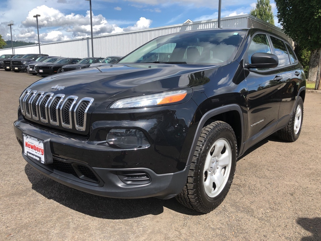 Pre-Owned 2014 Jeep Cherokee Sport 4WD Clean Carfax