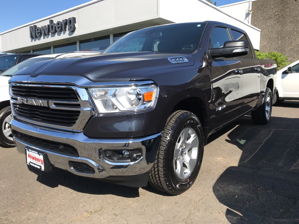Pre-Owned 2019 Ram 1500 Big Horn/Lone Star New-Body Crew Cab HEMI