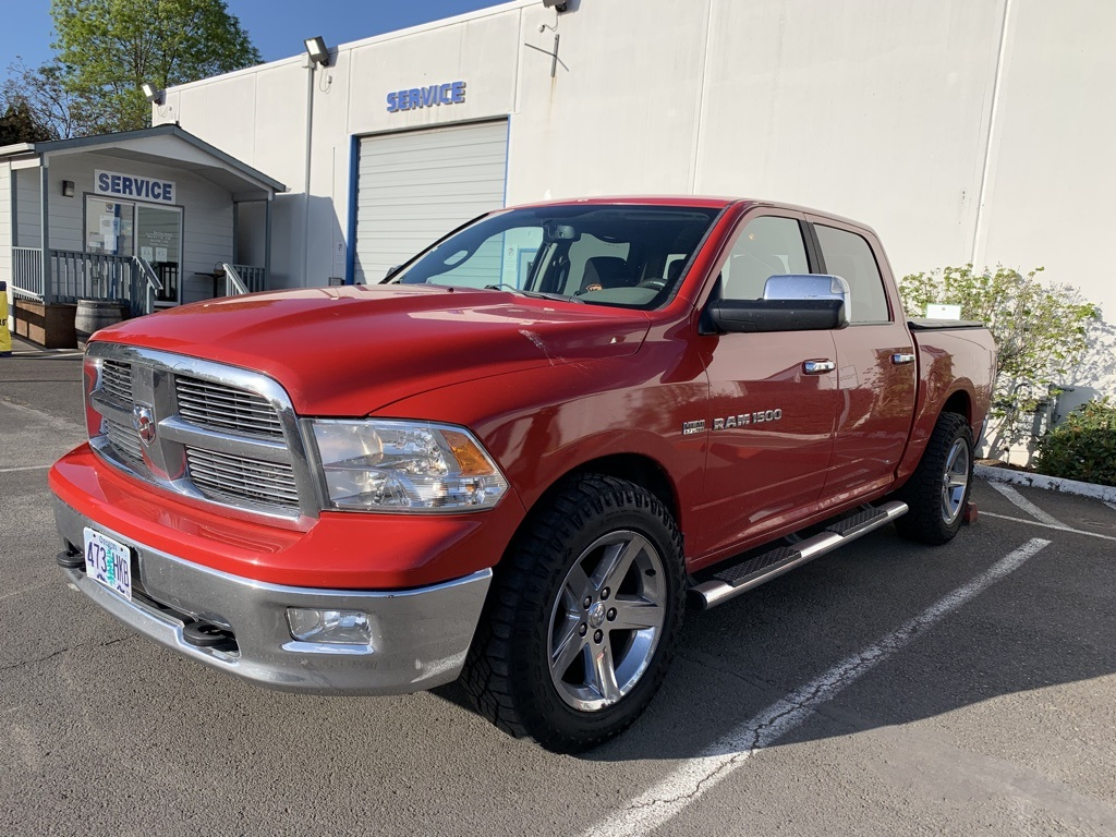 Pre-Owned 2011 Ram 1500 SLT Crew Cab, HEMI, Tow Package