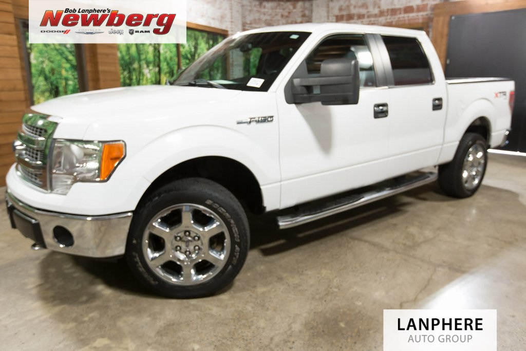 Pre-Owned 2014 Ford F-150 XLT Clean Carfax, 5.0L V8, Tow Package, Bed Liner!