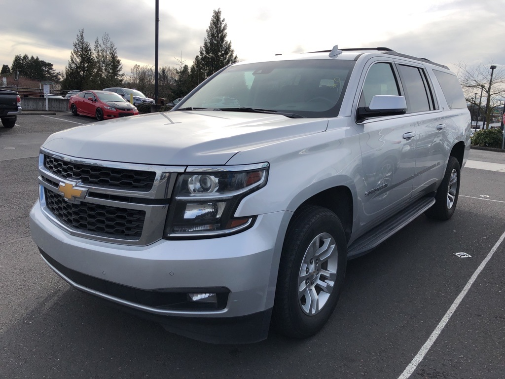 Pre-Owned 2018 Chevrolet Suburban LT 4WD, Luxury Group, DVD, Navigation, Sunroof