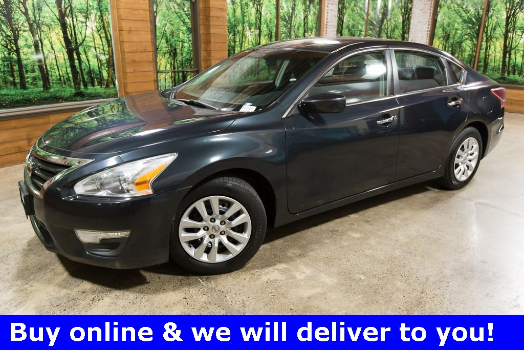 Pre-Owned 2013 Nissan Altima 2.5 S Clean Carfax, Clean Title, 38 MPG