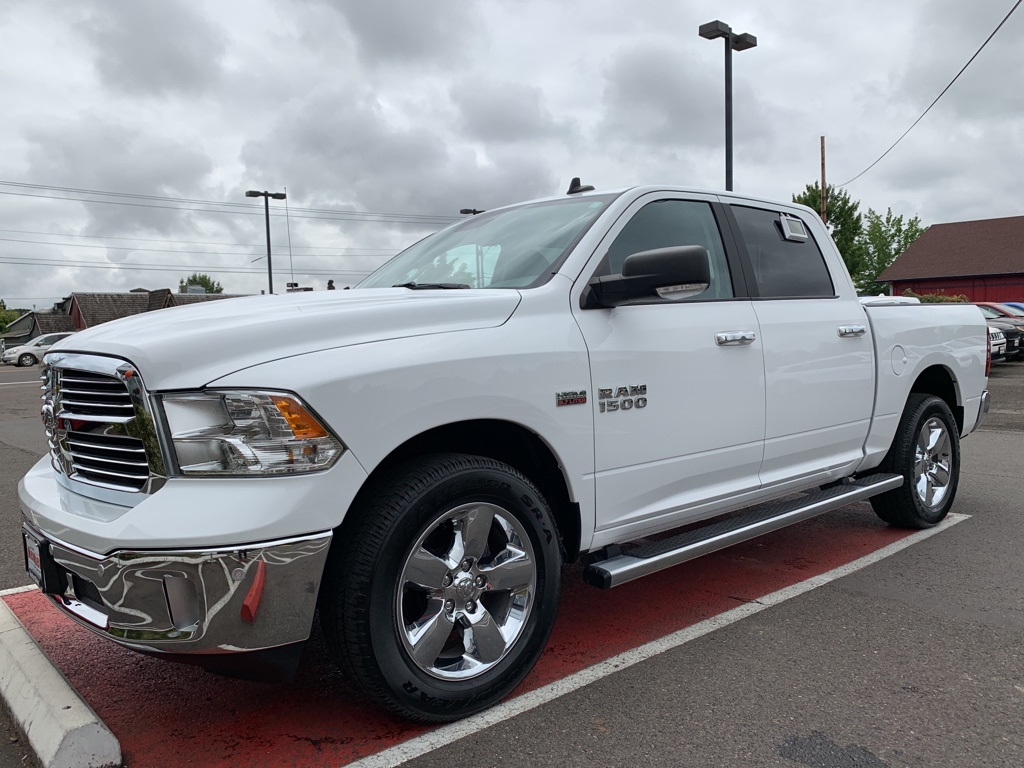Certified Pre-Owned 2017 Ram 1500 Big Horn Crew Cab, HEMI, 1-Owner, 4WD, Heated Seats