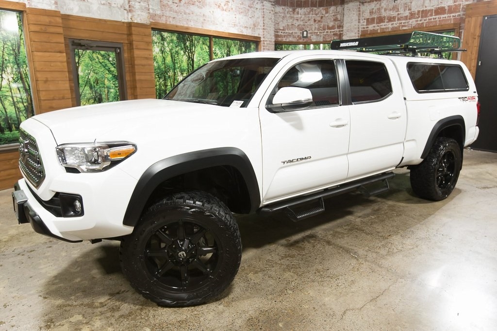 Pre-Owned 2017 Toyota Tacoma TRD Offroad 4WD, Lifted, 20-In Wheels, Canopy, Tech Pkg