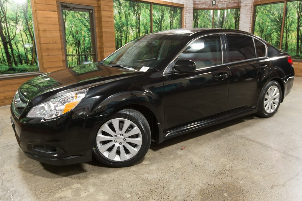 Pre-Owned 2011 Subaru Legacy 3.6R Limited