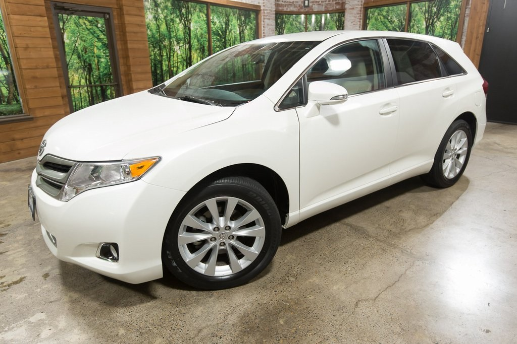 Pre-Owned 2013 Toyota Venza LE AWD