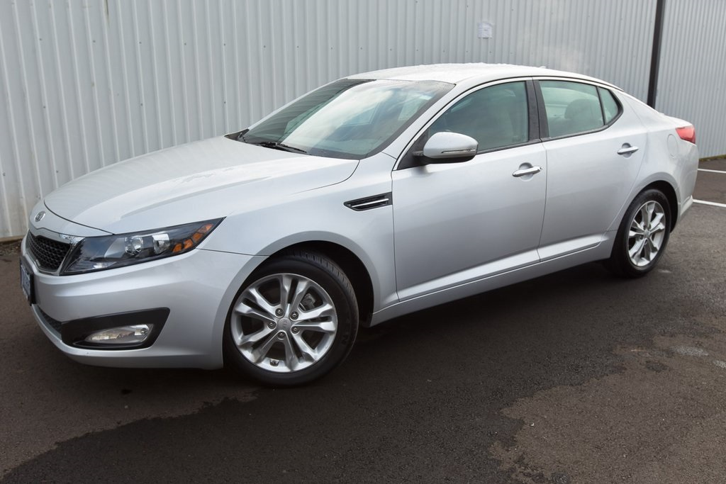 Pre-Owned 2012 Kia Optima EX Clean Carfax, Leather, LOW Miles!