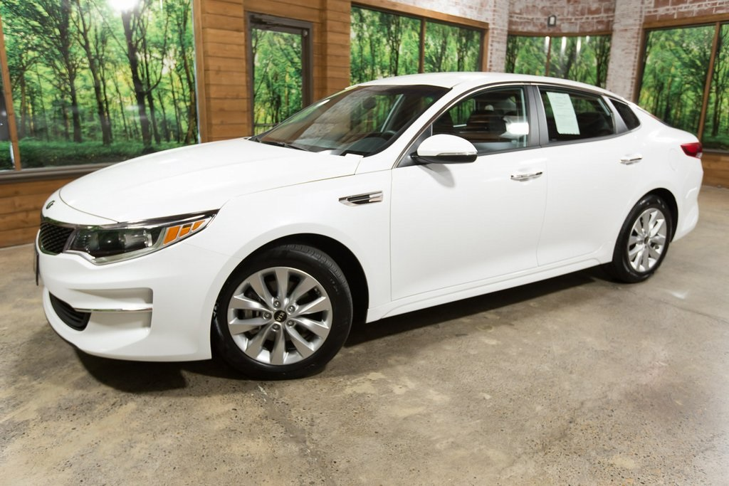 Certified Pre-Owned 2018 Kia Optima LX CERTIFIED 1-Owner, 36 MPG, Wheel and Tire Package