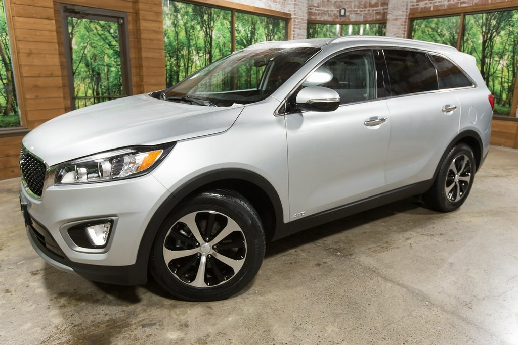 Pre-Owned 2016 Kia Sorento EX Leather, Power Seats, Backup Camera