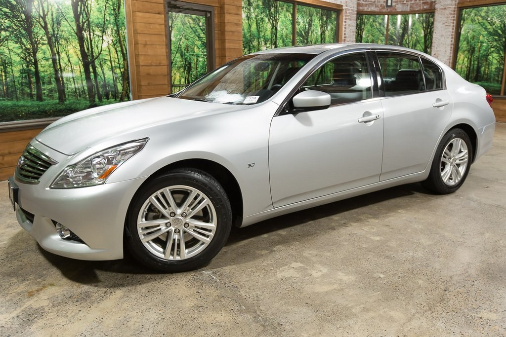 Pre-Owned 2015 INFINITI Q40 with Sunroof Pkg, Navigation Pkg