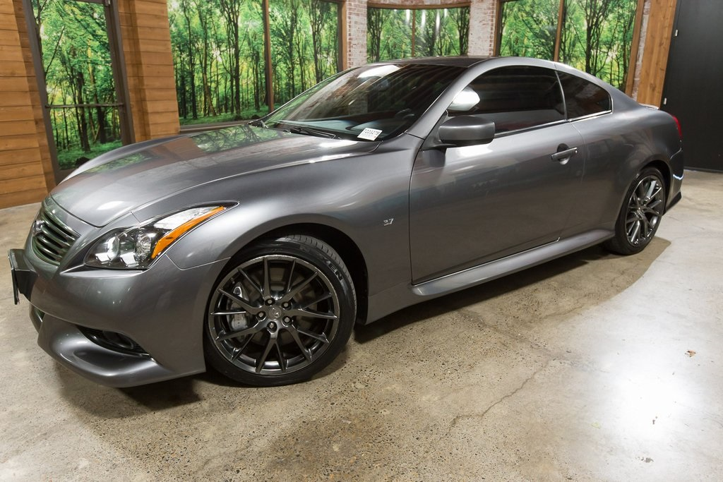 Pre-Owned 2014 INFINITI Q60 IPL Clean Carfax, Navigation, Back Up Camera!