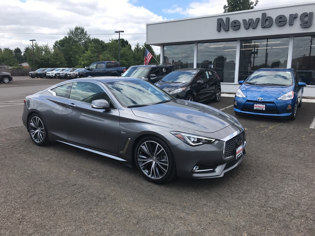 Pre-Owned 2019 INFINITI Q60 3.0t LUXE Clean Carfax, Moonroof, Back Up Camera