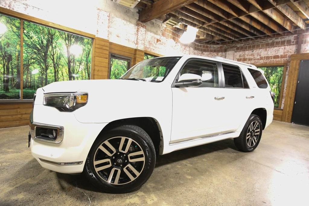 Pre-Owned 2015 Toyota 4Runner 4WD, Navigation, Sunroof, 1-Owner