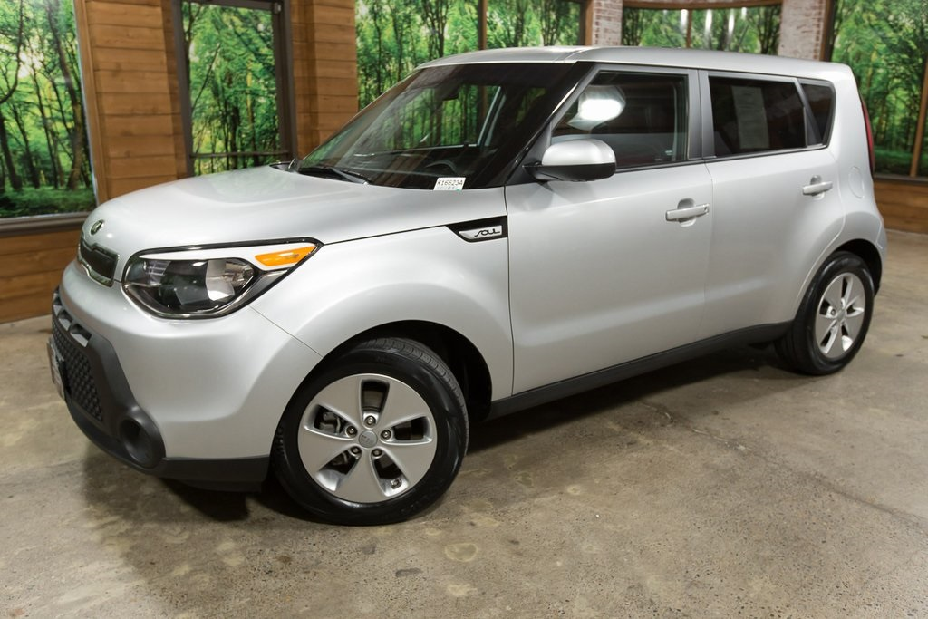 Pre-Owned 2015 Kia Soul Base