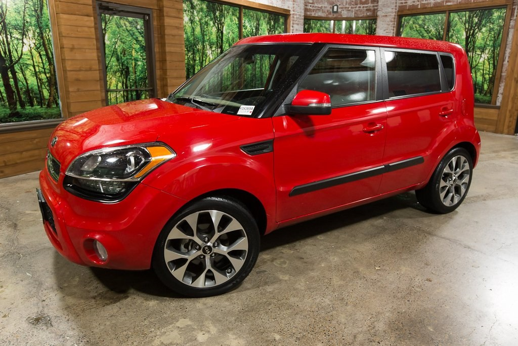 Pre-Owned 2013 Kia Soul Exclaim