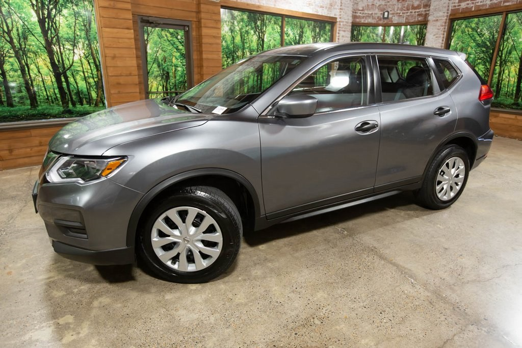Pre-Owned 2017 Nissan Rogue S AWD, Non-Smoker, Clean Carfax