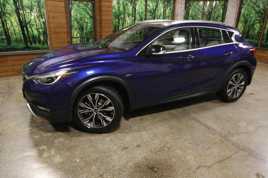 Certified Pre-Owned 2017 INFINITI QX30 Premium AWD, Sunroof, Navigation, CERTIFIED