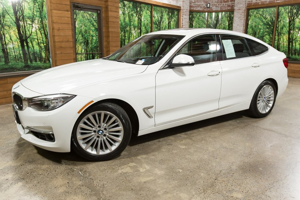 Pre-Owned 2015 BMW 3 Series 328i xDrive Gran Turismo Heads Up, Nav, Pano Roof!