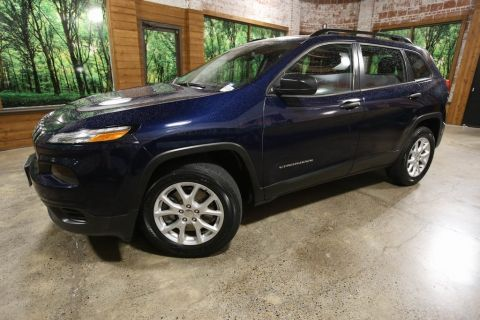 Pre-Owned 2015 Jeep Cherokee Sport 4WD, Sport Appearance Pkg, Backup Camera