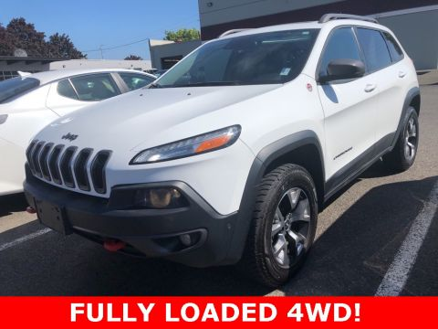 Pre-Owned 2015 Jeep Cherokee Trailhawk 4WD, Sunroof, Tech Pkg, Cold Weather Group