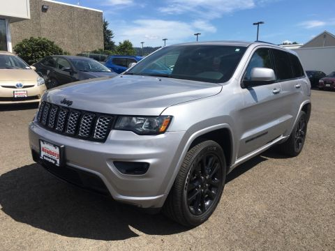 Certified Pre-Owned 2020 Jeep Grand Cherokee Altitude 4WD, Sunroof, Navigation, CERTIFIED