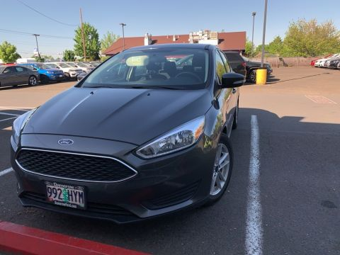 Pre-Owned 2016 Ford Focus SE 1-Owner, Clean Carfax, Auto, Alloy Wheels!