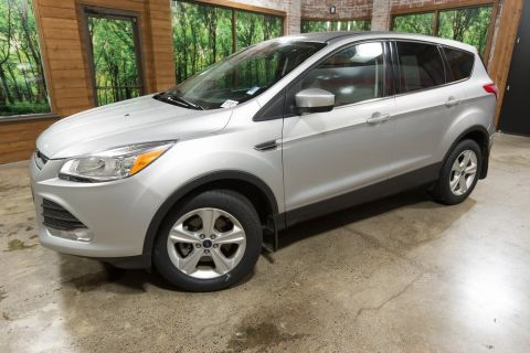 Pre-Owned 2016 Ford Escape SE 4WD, Rear Camera, Bluetooth, Clean Carfax!