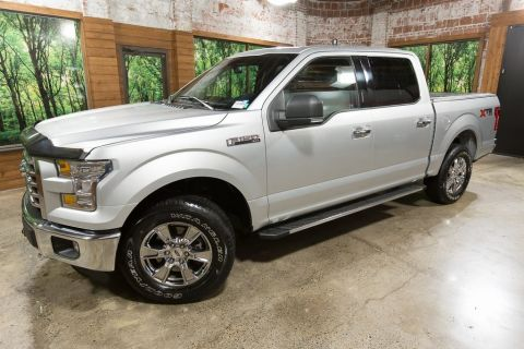 Pre-Owned 2016 Ford F-150 XLT 4WD, Panoramic Sunroof, Navigation