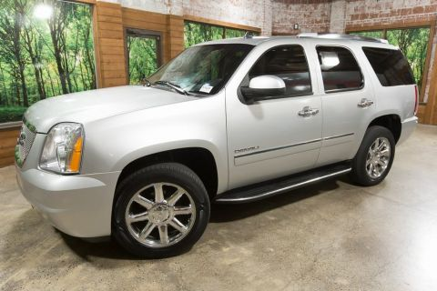Pre-Owned 2013 GMC Yukon Denali AWD, DVD System, Navigation, Sunroof, Leather