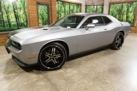 Pre-Owned 2014 Dodge Challenger R/T 5.7 Hemi with 22inch Alloys!