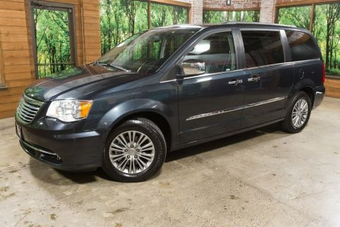 Pre-Owned 2014 Chrysler Town & Country Touring-L Bluetooth, DVD, Heated Leather, 1-Owner!
