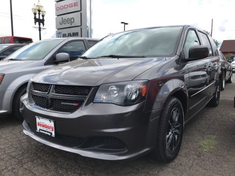Pre-Owned 2017 Dodge Grand Caravan SE Blacktop Edition, Bluetooth, Clean Carfax, 1-Owner