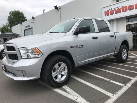 Pre-Owned 2017 Ram 1500 Express Crew Cab 4x4, Clean Carfax, 1-Owner, HEMI V8