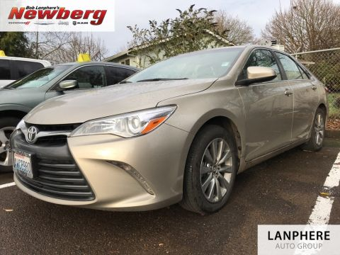 Pre-Owned 2015 Toyota Camry XLE One Owner, Navigation, Heated Seats, Leather!