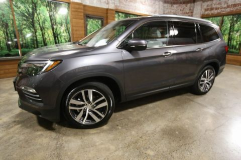 Certified Pre-Owned 2018 Honda Pilot Touring AWD, DVD, Sunroof, 1-Owner, CERTIFIED