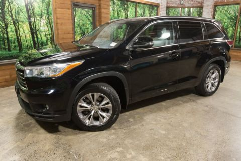 Pre-Owned 2015 Toyota Highlander XLE V6 Navigation, Back Up Camera, Leather, Heated Seats,