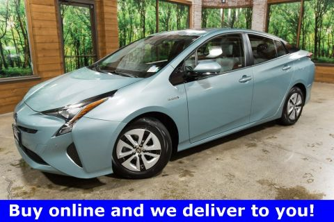 Pre-Owned 2017 Toyota Prius Three with Advanced Technology, Sun Roof