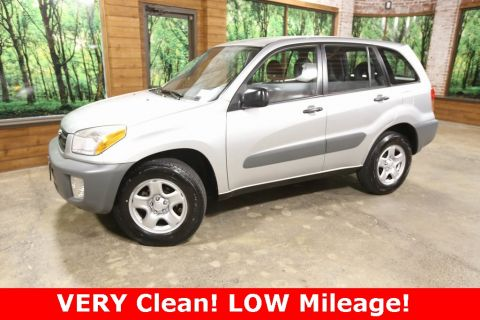 Pre-Owned 2001 Toyota RAV4 Base SUPER CLEAN, Easy Driver