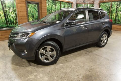 Pre-Owned 2015 Toyota RAV4 XLE w/Navigation