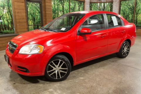 Pre-Owned 2010 Chevrolet Aveo 1LT Custom Wheels, Automatic, Very Clean!
