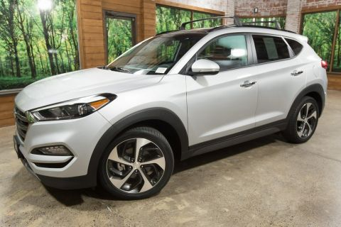 Pre-Owned 2016 Hyundai Tucson Limited Ultimate, Panoramic Sunroof, Navigation