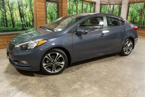 Pre-Owned 2016 Kia Forte EX Premium Package, Navigation, Sunroof, 1-Owner