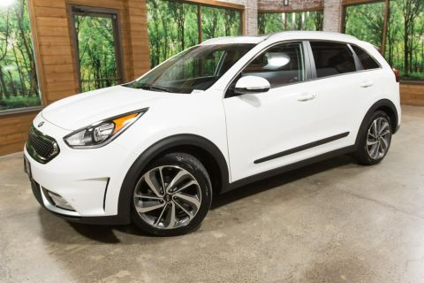 Certified Pre-Owned 2019 Kia Niro Touring CERTIFIED 1-Owner, Navigation, Sunroof