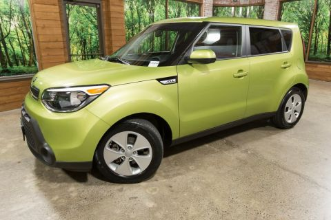Certified Pre-Owned 2016 Kia Soul Base 6MT, Bluetooth, Cloth, 1-Owner