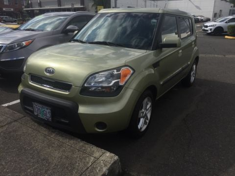 Pre-Owned 2010 Kia Soul Plus with Automatic Trans, Clean Carfax, NW-Owned