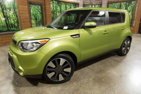 Certified Pre-Owned 2015 Kia Soul Exclaim Bluetooth, Rear Camera, 1-Owner